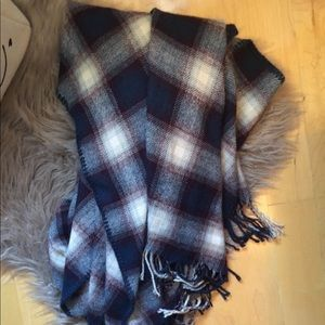 Plaid Over The Shoulder Poncho - Forever21